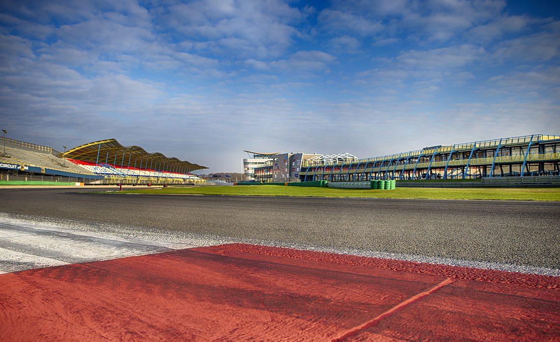 Kicken: zelf racen op het TT Circuit Assen