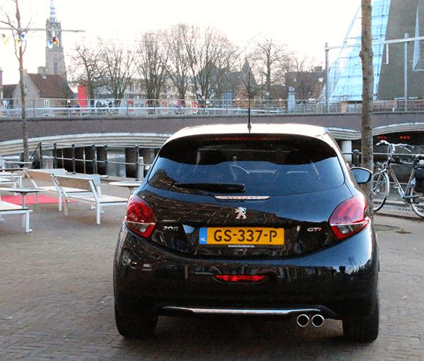 Peugeot208gti10