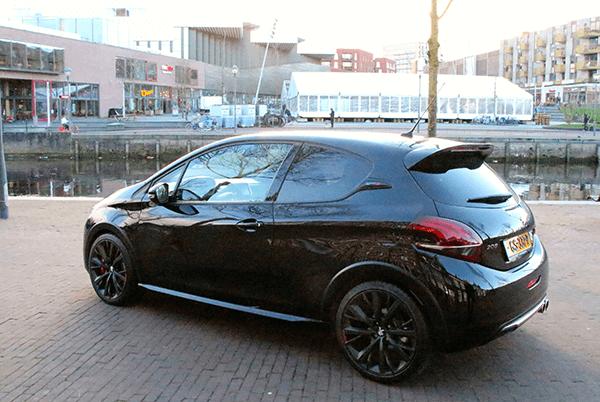 Peugeot208gti6