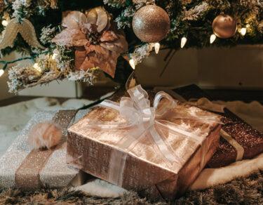 kerstcadeaus inpakken
