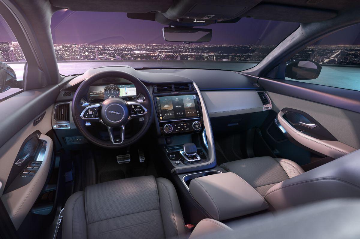 Jaguar E-Pace-11