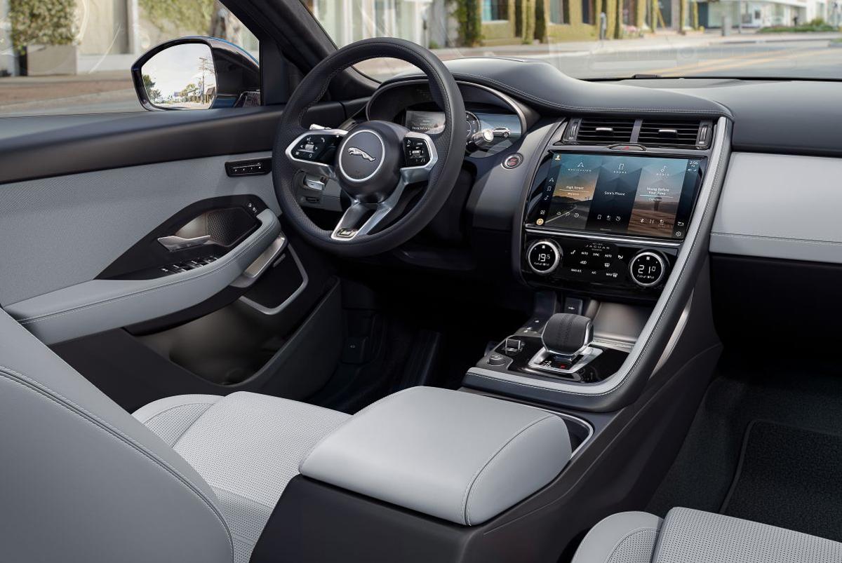 Jaguar-E-Pace-9