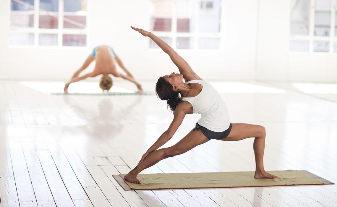 EkhartYoga lanceert gratis yoga lesprogramma's