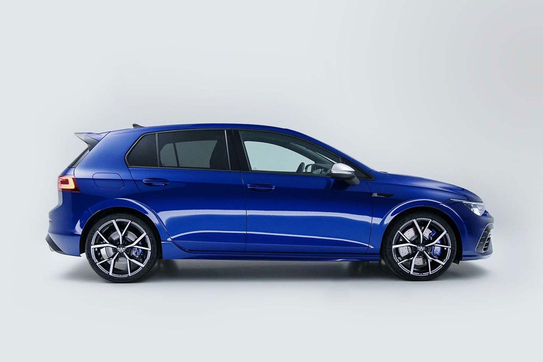 Volkswagen-Golf-R-12
