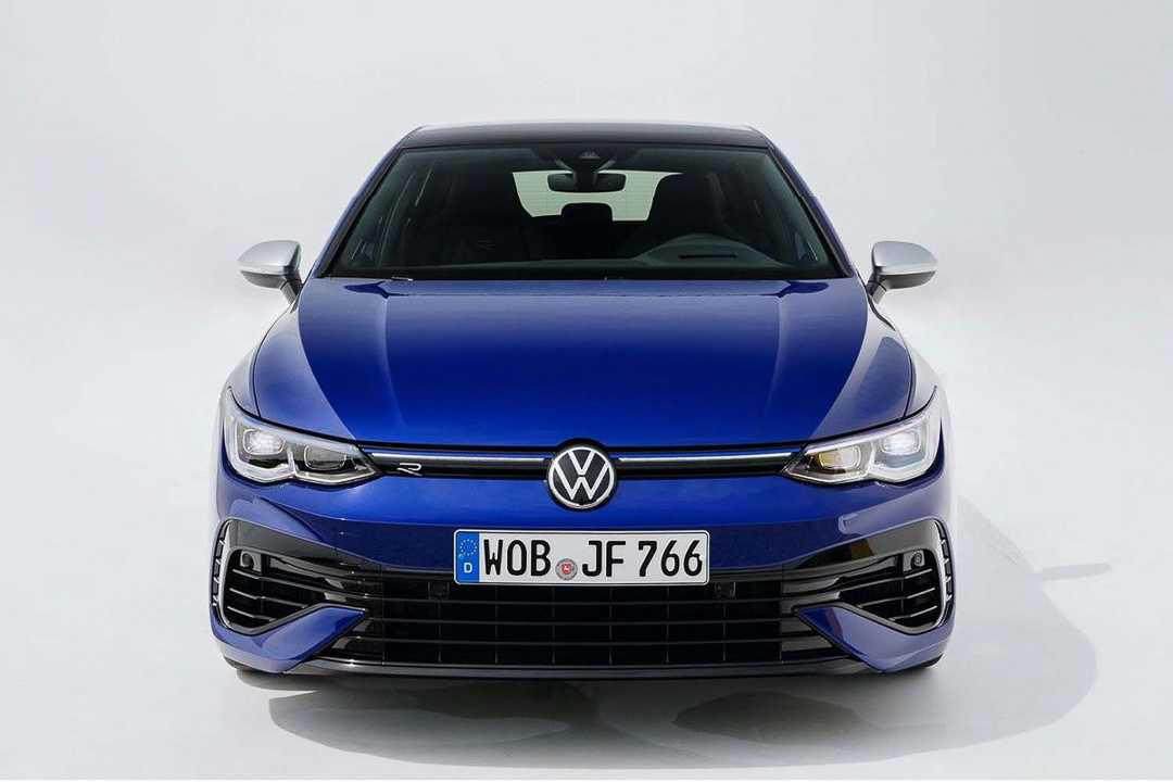 Volkswagen-Golf-R-13