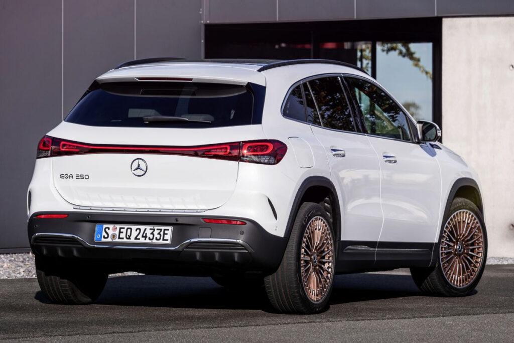 Mercedes-Benz EQA-9