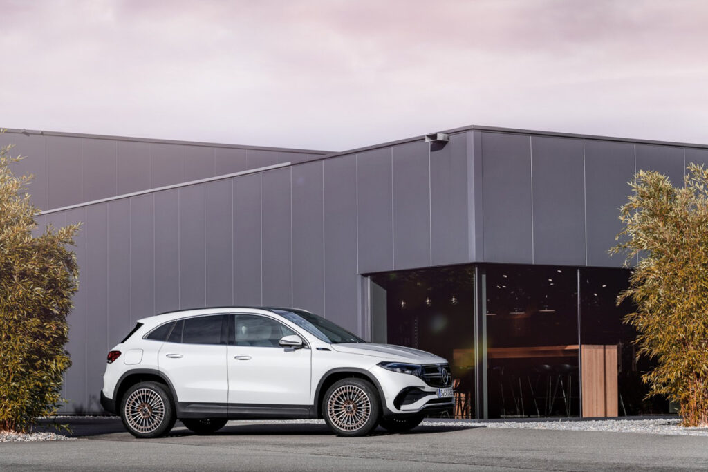 Mercedes-Benz EQA-5