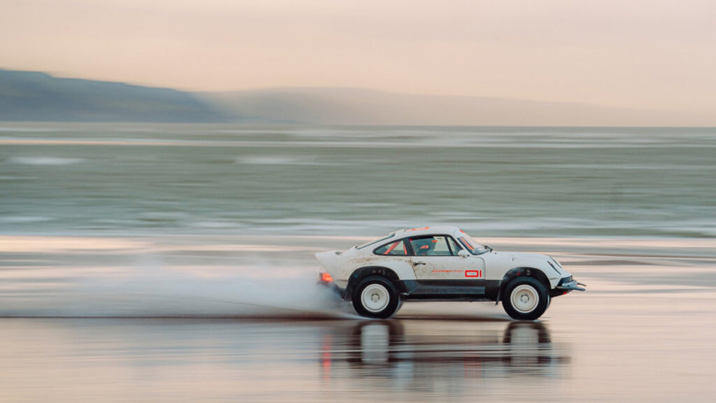 Singer Porsche 911 ACS-4