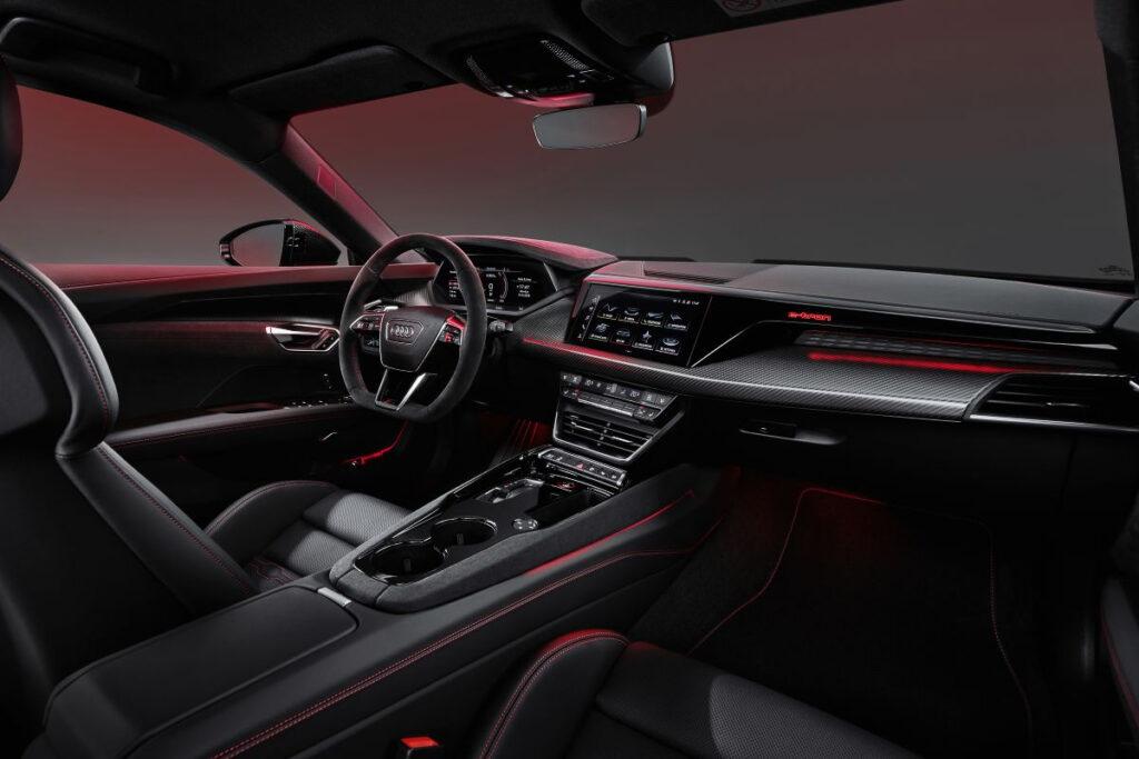Audi E-tron GT-10