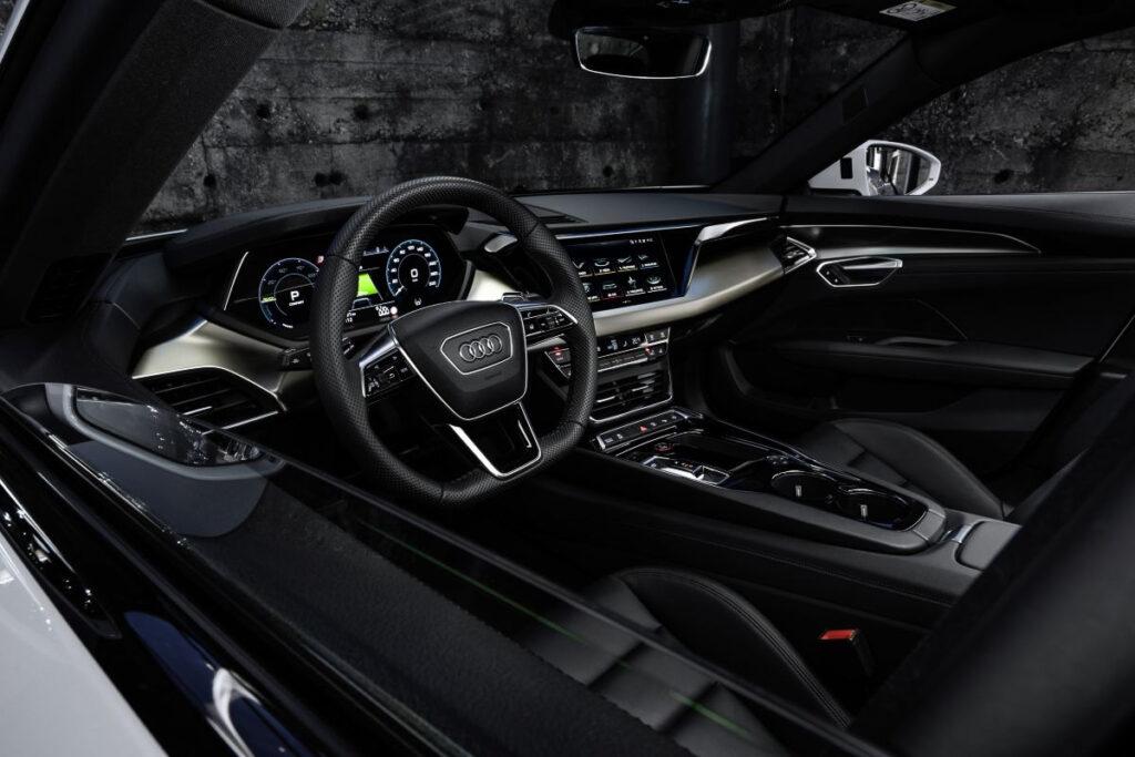 Audi E-tron GT-11