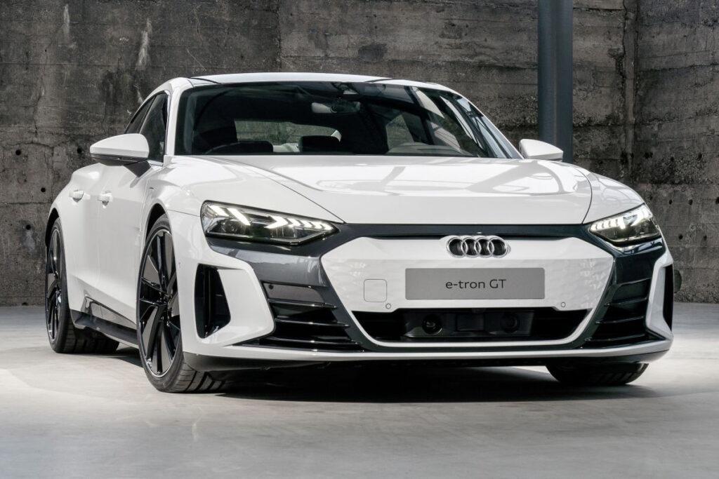 Audi E-tron GT-6