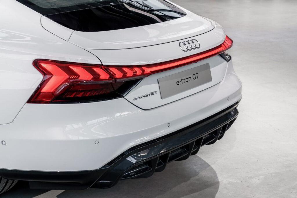 Audi E-tron GT-8