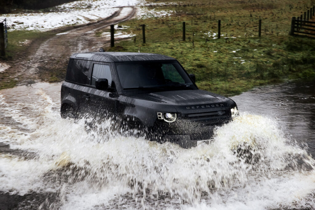 Land Rover Defender V8-4