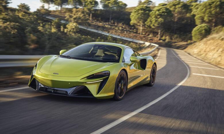 McLaren Artura-6