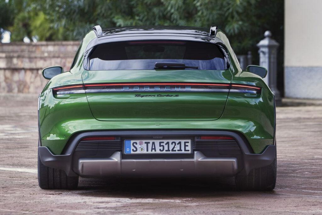 Porsche Taycan Cross Turismo-6