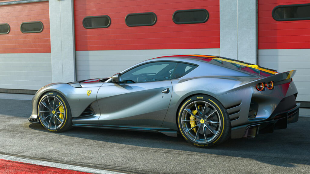 Ferrari 812 Competizione-2