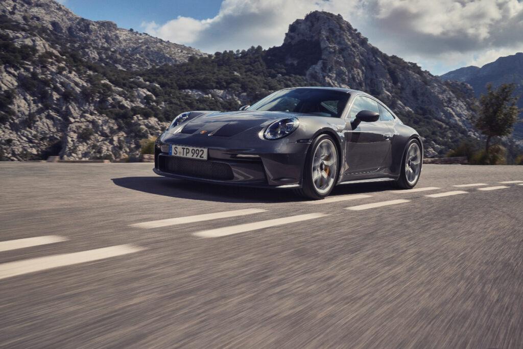 Porsche 911 GT3 Touring-4