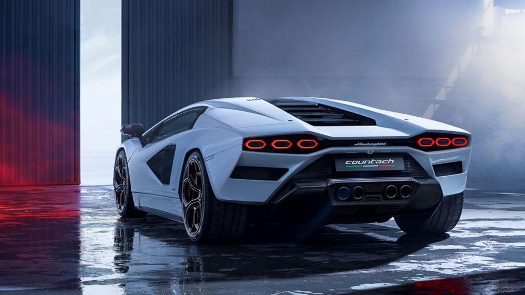 Lamborghini Countach-5