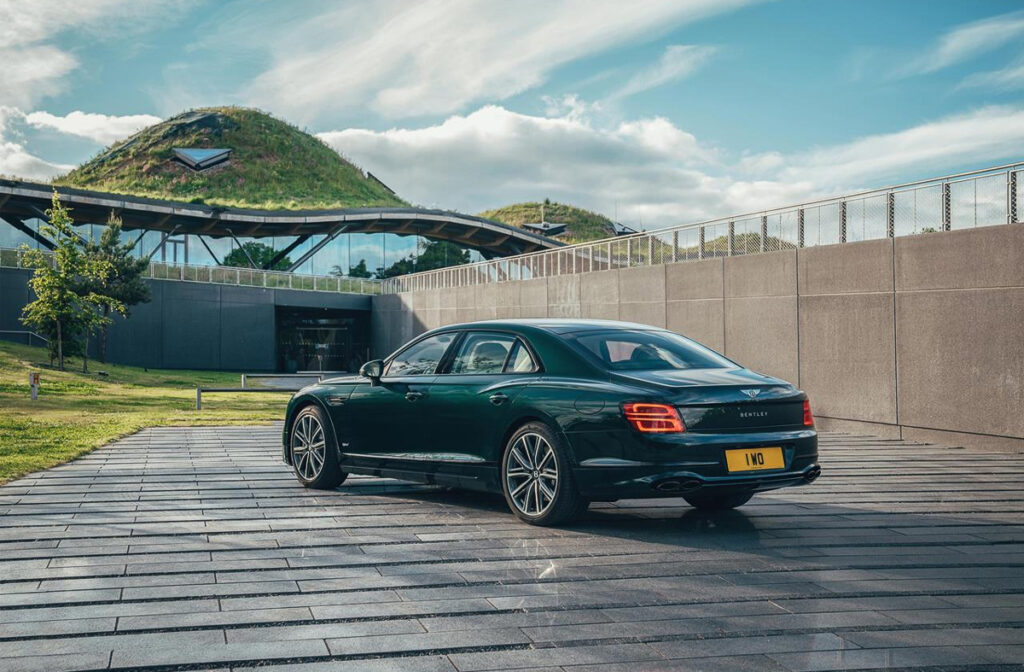 Bentley Flying Spur Hybrid-2